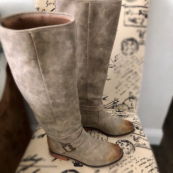 Rustic Knee High Taupe Colored Boots  Sz 6/7